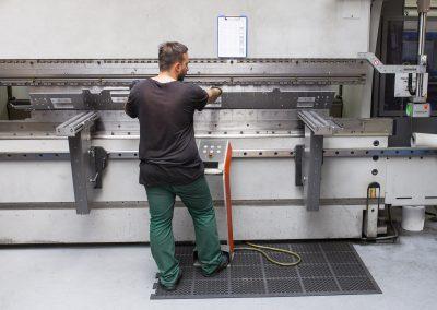 CNC tříbodové ohýbání